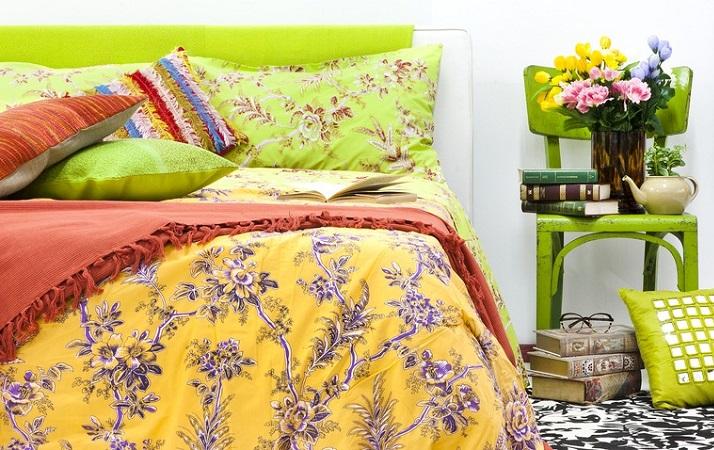 cama decorada com chita