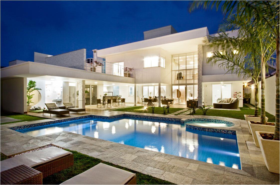 Casas modernas com piscinas confira fotos e modelos for Casas modernas lindas