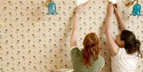 como-colar-papel-parede