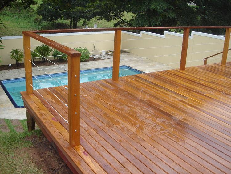aplicacao deck jardim:deck-de-madeira