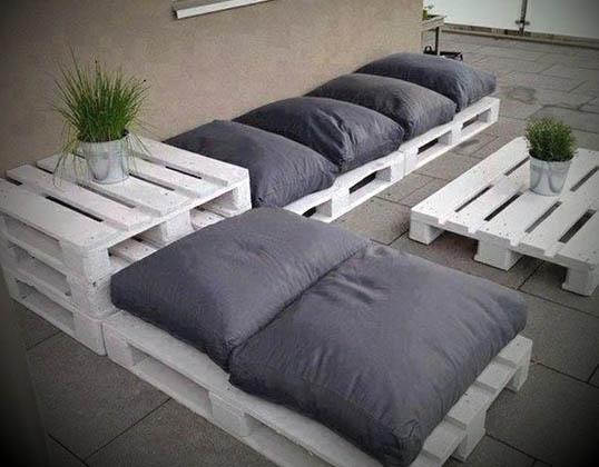 Como fazer sof s de paletes for Sofas para patios