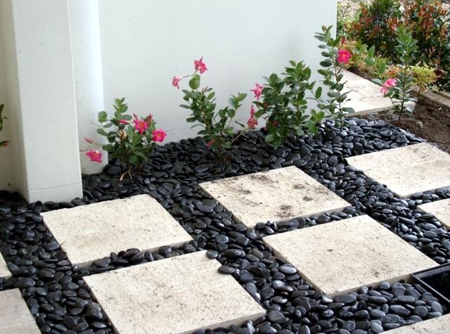 decorar jardim com pedras 2