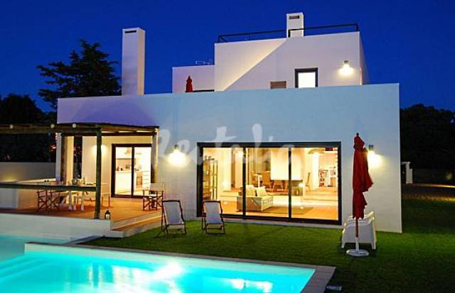 imagem casa moderna com piscina