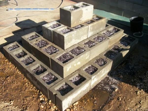 jardim com blocos de cimento