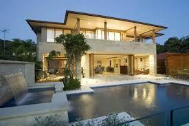 modelo casa moderna com piscina