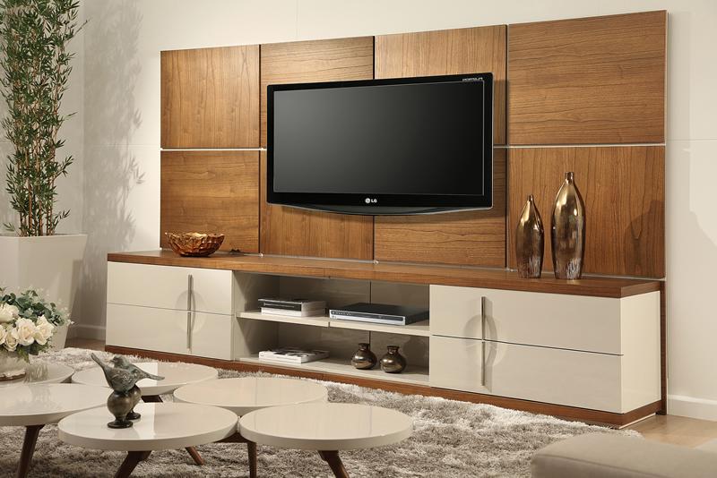 movel para tv com fundo madeira