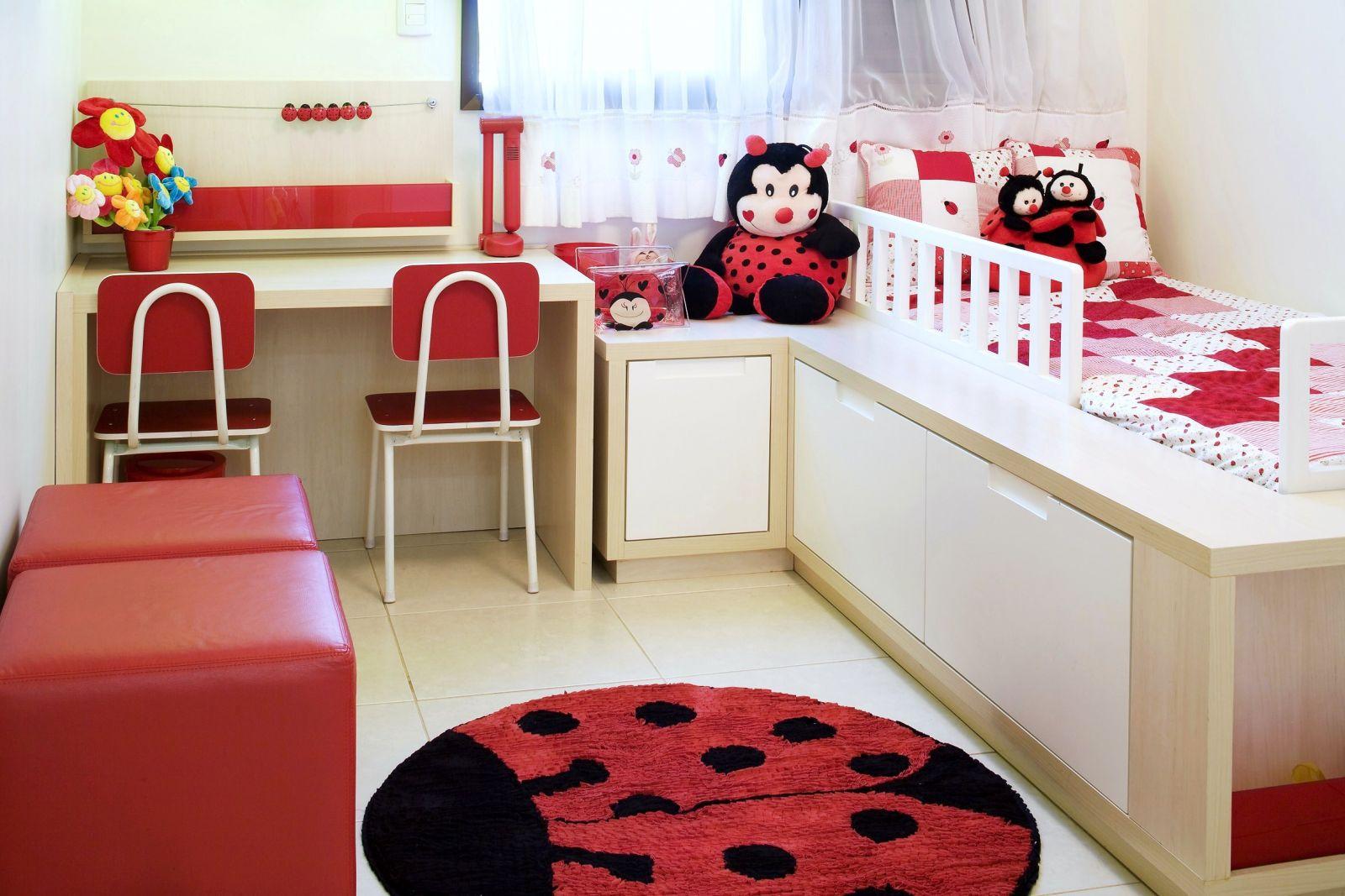 quarto infantil pequeno